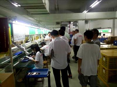 侨洋实业技术团队参观客户公司,专业制造环形变压器专家